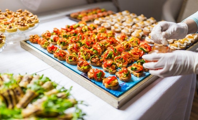 Tips to find the best catering service